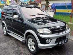 Jual cepat mobil Daihatsu Taruna FGX Oxxy 2006 di DI Yogyakarta