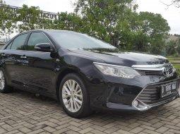 Toyota Camry 2.5 V 2015 Black On Beige Terawat Siap Pakai TDP 50Jt