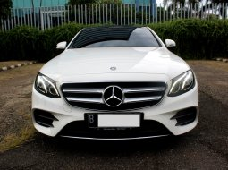Mercedes-Benz E-Class E 300 AMG AT 2017 Putih