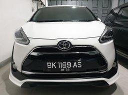 Toyota Sienta Q 2017 Putih