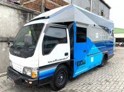SEPERTIBARU 1000KM, Food truck isuzu elf engkel long 2015 truk pameran