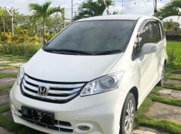 Jual Honda Freed 1.5 PSD 2015 Last New Edition asli Bali