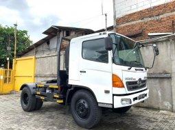 MULUS+BanBARU,MURAH SG260TI Hino Engkel 4x2 SG260J Tractor Head 2013