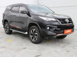 Toyota Fortuner 2.4 VRZ TRD AT 2017 Hitam