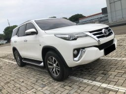 Toyota Fortuner 2.7 SRZ AT 2016 Putih
