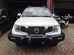 Mobil Nissan Navara 2014 Sports Version terbaik di DKI Jakarta
