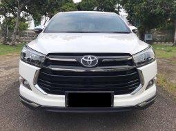 Toyota Venturer 2017 Putih