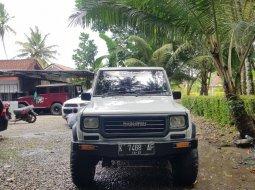 Mobil Daihatsu Taft GTS orisinil km140rb 1991 dijual