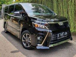 Jual mobil bekas murah Toyota Voxy 2018 di Jawa Barat