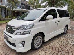 Mobil Toyota Vellfire ZG Premium Sound 2014 bekas di DI Yogyakarta