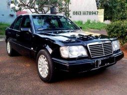 Mercedes-Benz E 320 Masterpiece 1996 Hitam