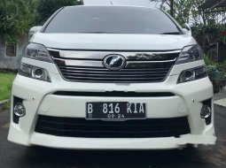 DKI Jakarta, Toyota Vellfire Z 2013 kondisi terawat
