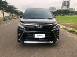 Mobil Toyota Voxy 2018 dijual, Banten