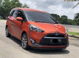 Toyota Sienta V 2016 orange MOBIL KELUARGA PALING MURAHH