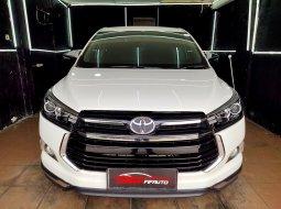 Toyota Kijang Innova Ventuere 2.0 Manual Bensin 2017 Putih