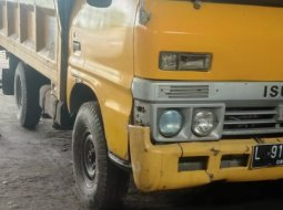 Isuzu Bison Standard 1993 Truck