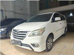 Jual Toyota Kijang Innova V Luxury 2015 harga murah di Jawa Timur