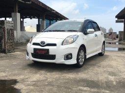 Toyota Yaris E 2013 CBU A/T