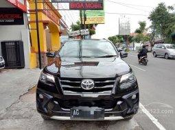 Mobil Toyota Fortuner 2018 VRZ dijual, Jawa Timur