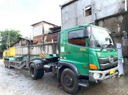 STNK2022+4banBARU Hino tractor head buntut trailer 40 feet 3 axle 2016