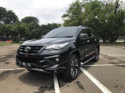 Toyota fortuner 2.4 VRZ TRD 2018