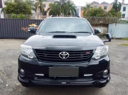 Toyota Fortuner 2014 Hitam