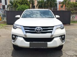 TOYOTA FORTUNER VRZ AT PUTIH 2016