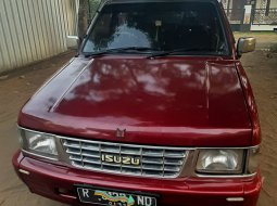 Isuzu Panther Grand Royale Tahun 1996