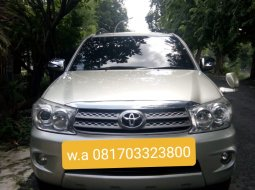 Toyota Fortuner G Luxury 2009 Silver