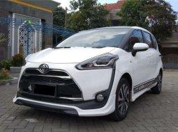 Jual Toyota Sienta Q 2016 harga murah di Jawa Timur