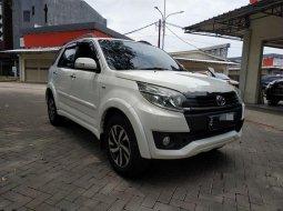 Mobil Toyota Rush 2015 G terbaik di Banten