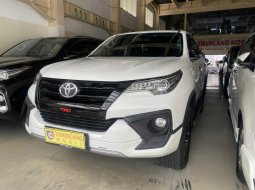Toyota Fortuner 2.7 TRD AT 2017 Putih