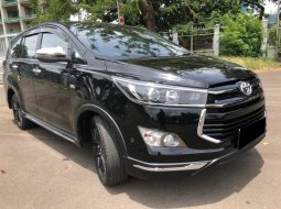 Toyota Kijang Innova Venturer AT Bensin 2019 Hitam