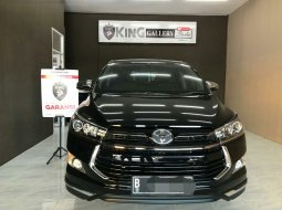 Toyota innova venturer bensin hitam 2018