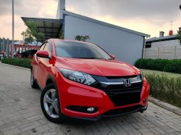 Honda HR-V E CVT 2017 Merah