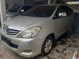 Jawa Barat, Toyota Kijang Innova V 2010 kondisi terawat