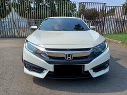 HONDA CIVIC SEDAN ES PUTIH 2018