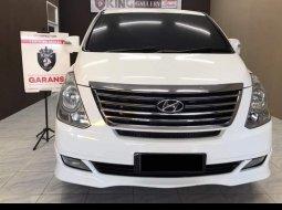 Hyundai H-1 XG PUTIH BENSIN 2012