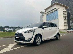 Mobil Toyota Sienta 2017 G terbaik di DKI Jakarta