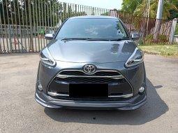 Toyota Sienta Q CVT 2018 Abu-abu