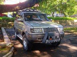 TOYOTA RAIDER SUV ANTIK & GAGAH