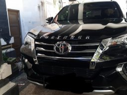 Toyota Fortuner 2.7 SRZ AT