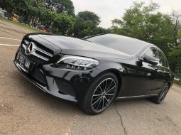 Mercedes-Benz C-Class C 200 Avantgarde Line 2019 Hitam
