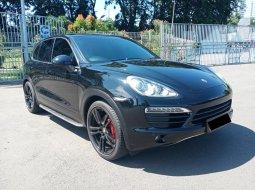 Porsche Cayenne Turbo S Tiptronic 2012 Hitam