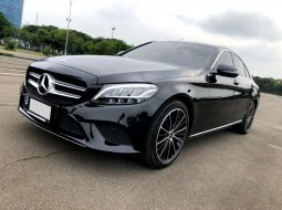 Mercedes-Benz C-Class C 200 Avantgarde AT 2019 Hitam