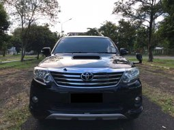 Toyota Fortuner 2.7 TRD AT 2013 Hitam