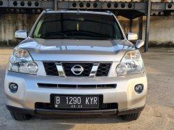 Nissan X-trail 2.5 ST 2010 Silver On Black Low KM Terawat TDP Paket 15Jt