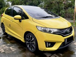 Honda Jazz RS AT 2016 Floating TV