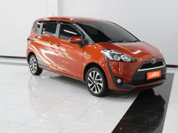 Toyota Sienta V AT 2016 Orange