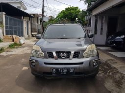 Mobil Nissan X-Trail 2010 Autech terbaik di Jawa Barat